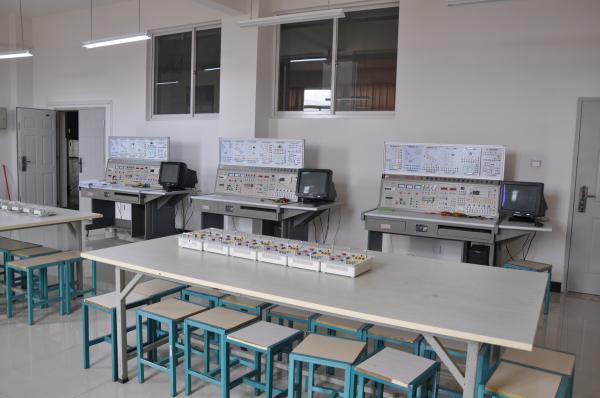 电气自动化实验中心—PLC可编程控
