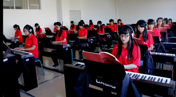 艺术综合实训中心—钢琴实训室