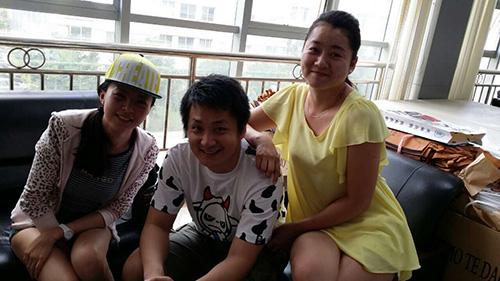 云南经济管理学院航空旅游学院就业学员回母校探望师生