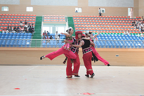 和谐携手,共创未来——云南经济管理学院工程学院携手云南艺术学院文华学院举办舞蹈大赛