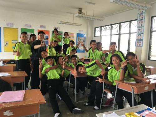 绚丽多彩的泰国生活----教育片