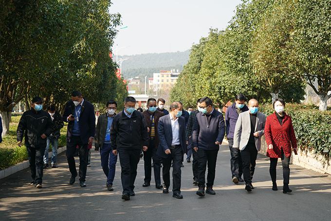 2020年2月26日,昆明市副市长胡宝国来校检查指导疫情防控工作